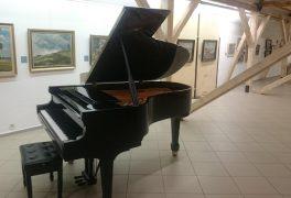 Konečně nový klavír!